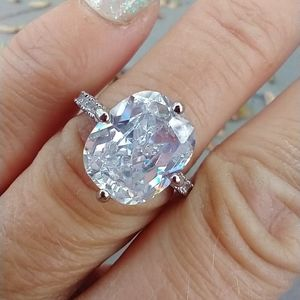 Women's marked 925 cz ring size 7.